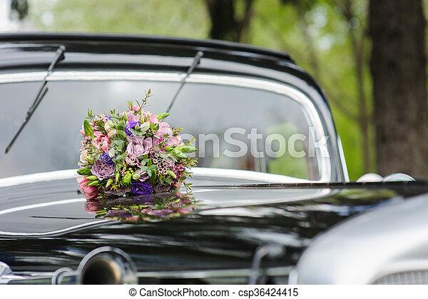 Blumengebinde Auto Retro Hochzeitsblumen Kapuze Verschieden