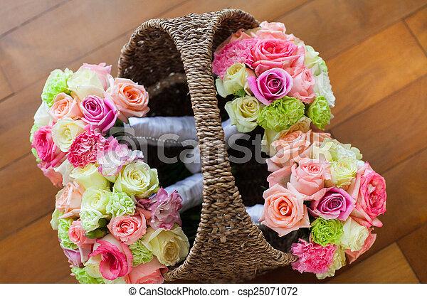 blumengebinde, wedding - csp25071072