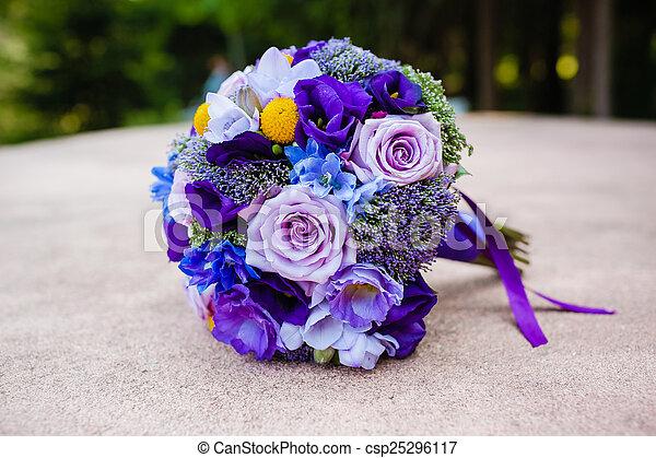 blumengebinde, wedding - csp25296117