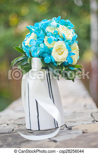 blumengebinde, wedding - csp28256044