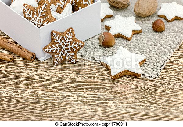 Boîte biscuits cadeau bois fou fond bureau pain épice noël