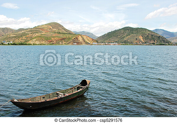 Boat in lake - csp5291576