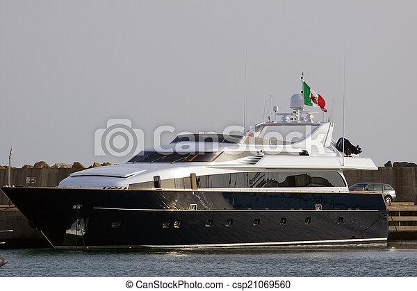 boat - csp21069560