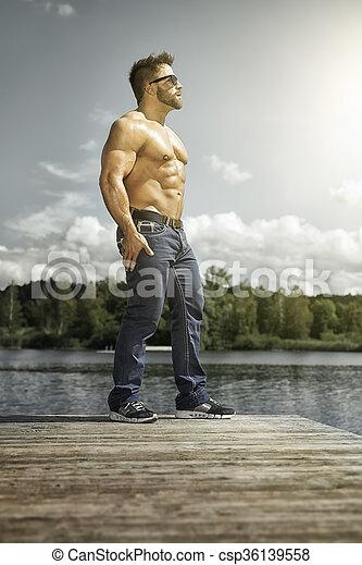 bodybuilding man - csp36139558