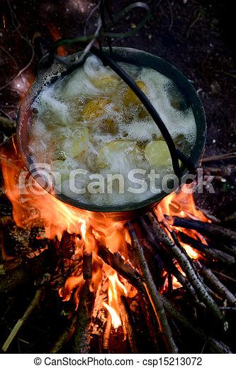 boiled potatoes - csp15213072