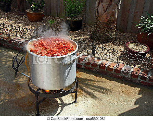 Boiling crawfish outdoor in the backyard. - csp6501081
