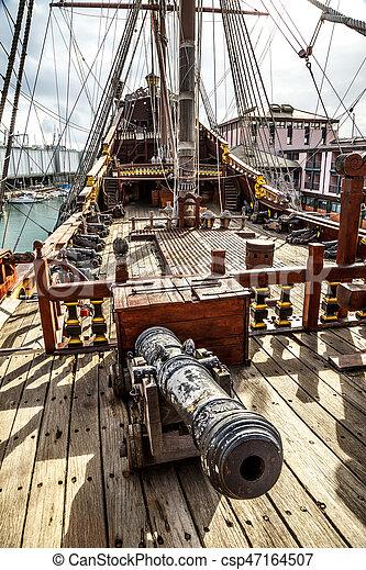 Bois bateau genova pirate port bois touristes port - Photo de bateau pirate ...