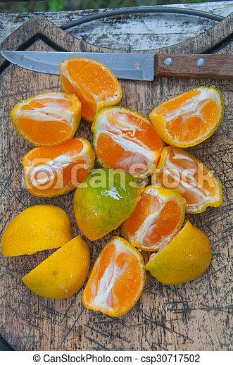 bois, coupé, planche découper, oranges - csp30717502
