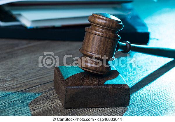 bois, juge, marteau, table - csp46833044