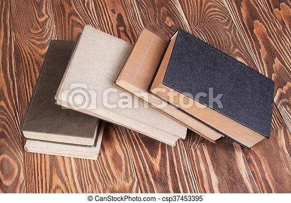 Bois livres vieux bureau bois conception étude desk