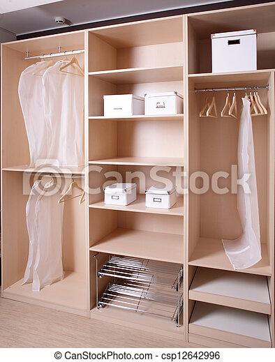 bois nouveau marque garde robe bois marque moderne photographies de stock rechercher. Black Bedroom Furniture Sets. Home Design Ideas