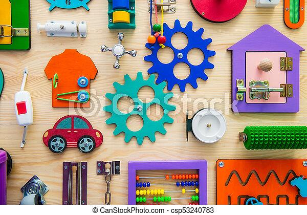 bois, sélectif, clair, enfants, pédagogique, busyboard., bricolage, haut, jeu, toys., occupé, children., planche, board., foyer, fin - csp53240783