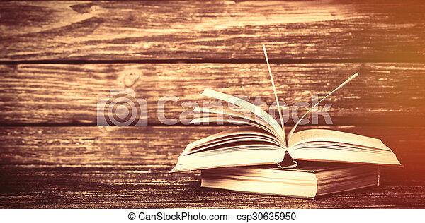 bois, vendange, livres, vieux, table - csp30635950