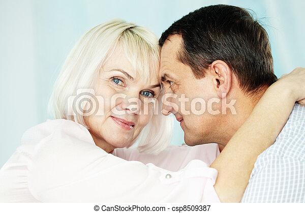 boldog, feleség - csp8509387