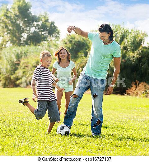 boldog, labda, három, család, játék - csp16727107