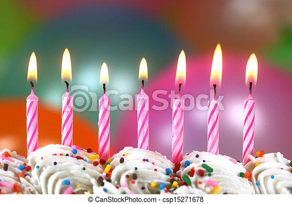 bolo, velas, balões, celebração - csp15271678