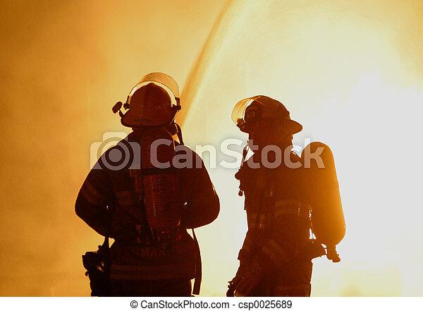 Dos bomberos - csp0025689