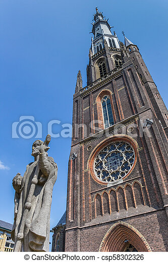 Bonifatius, främre del, leeuwarden, staty, kyrka. Nederländerna, staty,  leeuwarden, bonifatius, kyrka, främre del.   CanStock