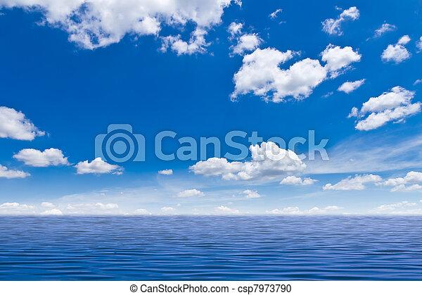 bonito, céu azul, mar - csp7973790