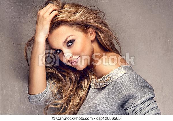 bonito, cabelo longo, retrato, loiro, menina - csp12886565