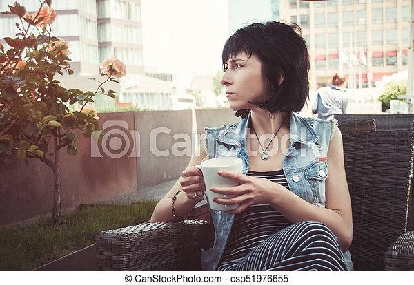 bonito, caffee, mulher - csp51976655