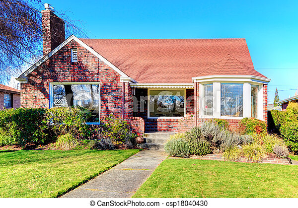 bonito, casa, tijolo, vermelho - csp18040430