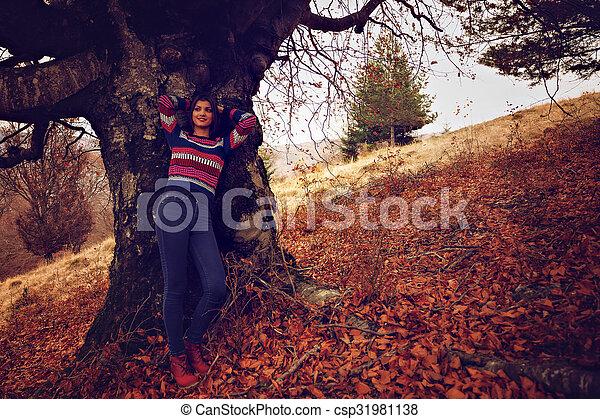 bonito, conceito, jovem, outono, parque, mulher - csp31981138