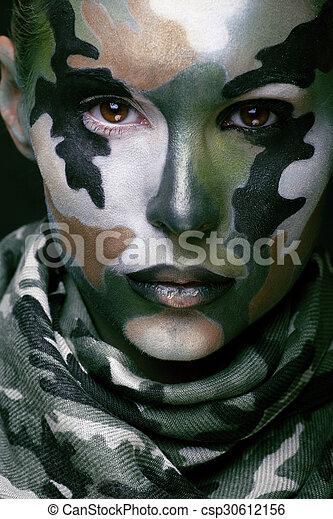 bonito, estilo, mulher, dia das bruxas, jovem, pintura cara, moda, maquiagem, cáqui, cores, militar, roupa, celebração - csp30612156
