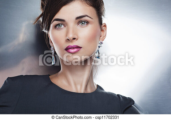 bonito, exclusivo, penteado, moda, jewelry., maquilagem, glamour, posar, retrato, profissional, modelo - csp11702331