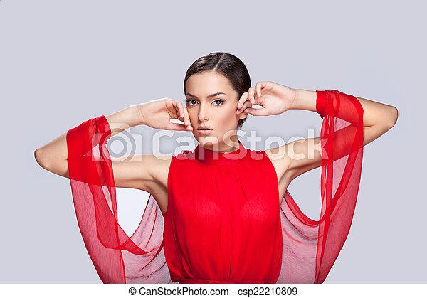 bonito, fascinante, mulher, limpe, cinzento, jovem, skin., fundo, mãos, retrato, levantado, rosto, vermelho - csp22210809