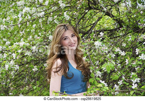 bonito, garden., mulher - csp28619825