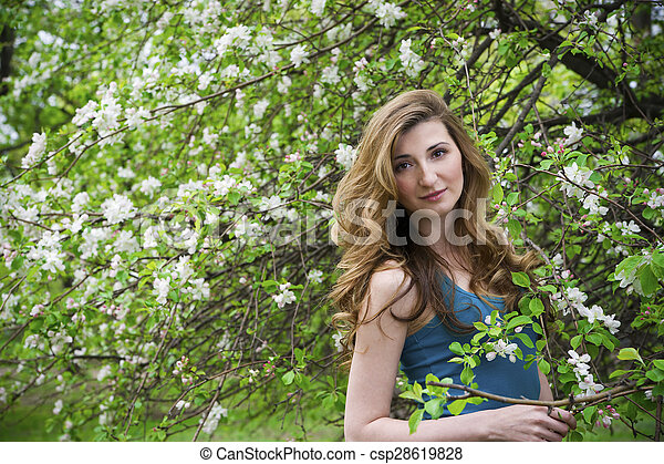 bonito, garden., mulher - csp28619828