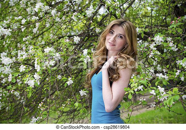 bonito, garden., mulher - csp28619804