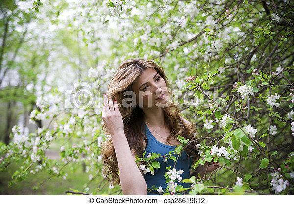 bonito, garden., mulher - csp28619812