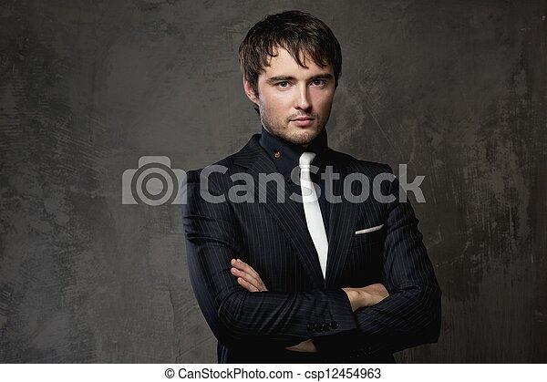 bonito, homem jovem - csp12454963