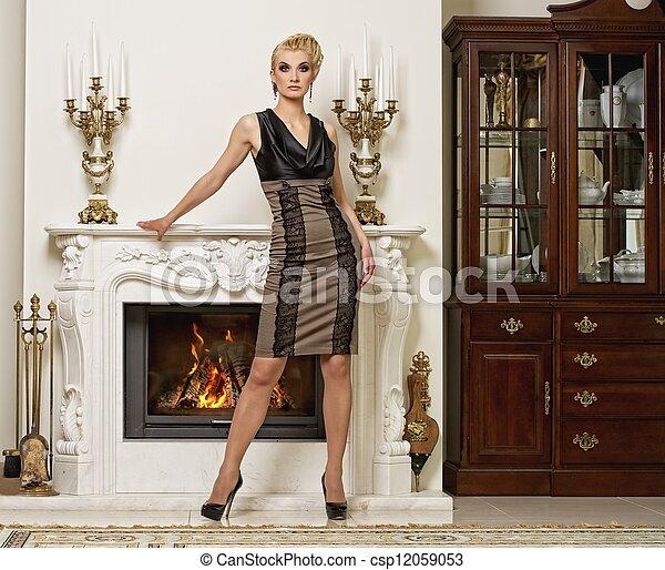 bonito, interior, mulher, luxo, loura - csp12059053