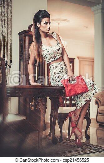 bonito, interior, mulher, repouso luxuoso - csp21456525
