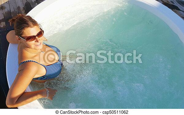 bonito, jacuzi, mulher, piscina, relaxante - csp50511062