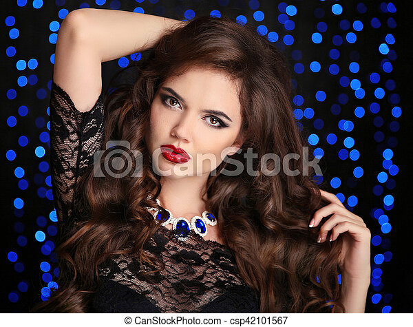 bonito, morena, sobre, makeup., cabelo, lábios, moda, menina, azul, estilo, cacheados, experiência., boker, longo, luzes, vermelho, jewelry., mulher, escuro, portrait., excitado, saudável, modelo - csp42101567