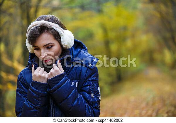 bonito, outono, mulher, parque - csp41482802