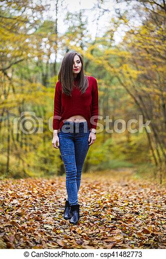 bonito, outono, mulher, parque - csp41482773