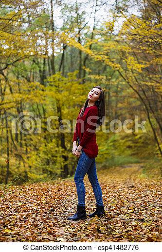 bonito, outono, mulher, parque - csp41482776