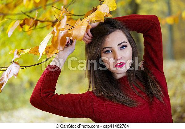 bonito, outono, mulher, parque - csp41482784