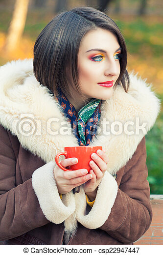 bonito, outono, mulher, parque, jovem - csp22947447