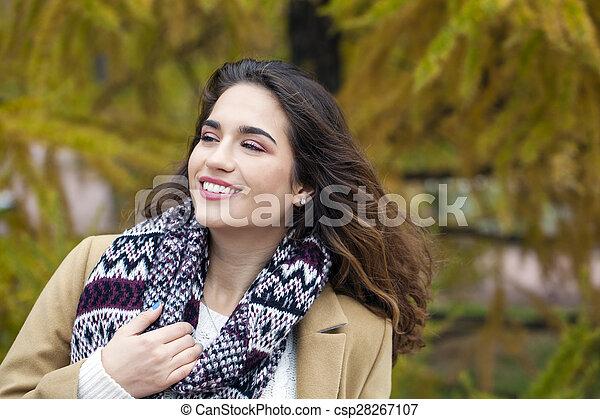 bonito, outono, mulher, parque, jovem - csp28267107