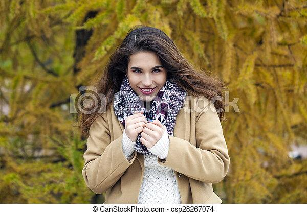 bonito, outono, mulher, parque, jovem - csp28267074