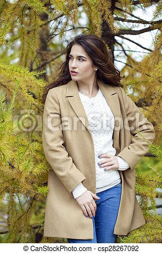 bonito, outono, mulher, parque, jovem - csp28267092