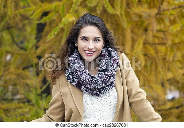 bonito, outono, mulher, parque, jovem - csp28267081