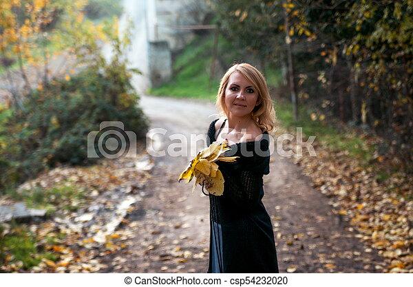 bonito, outono, mulher, parque, loura - csp54232020