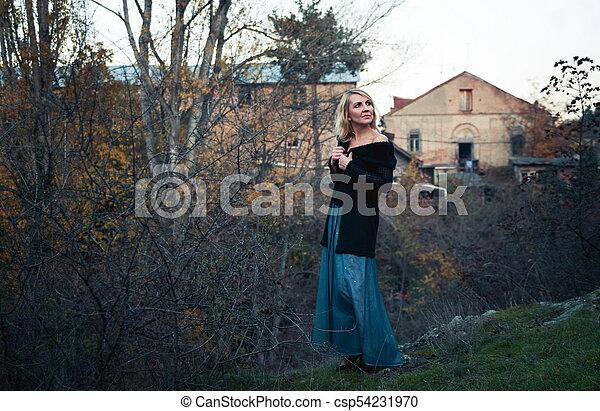 bonito, outono, mulher, parque, loura - csp54231970
